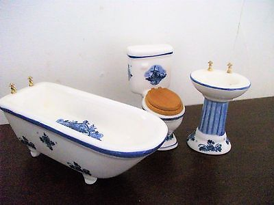 Dolls House Traditional Blue And White Porcelain 3 Piece Bathroom Suite