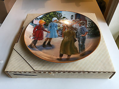 """Little House On The Prairie  Collector 's Plate  """" Country Girls  """" 1982 W/ Box"""