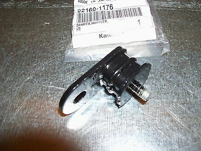 Oem Kawasaki Exhaust Head Pipe Rubber Mount Kx 65 80 85 100 125 250 500 *see Fit