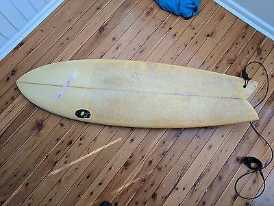 6'3 x 21 1/2 x 3 1/2 Fish Surfboard with leash and fins