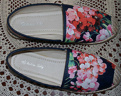 Modern Sally plimsoles size EU41 UK 8 Black with pink and white flowers