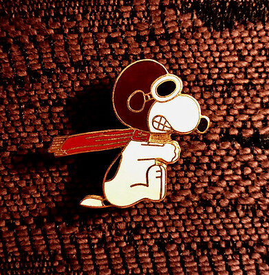 "RARE PIN: SNOOPY Portrays ""The Red Baron"" * Famous Classic Pose * Peanuts"
