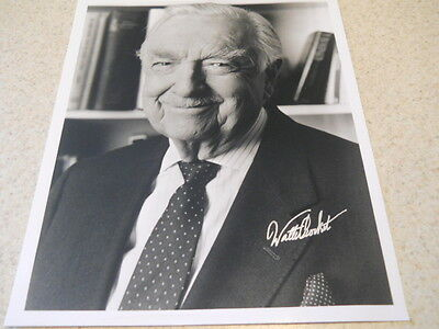 Walter Cronkite deceased American broadcaster CBS News legend signed 8x10 photo