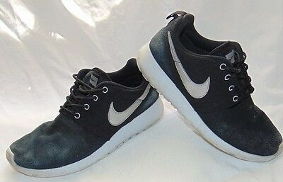 1b53c7c94cc1 Youth Boys Black Suede   Silver NIKE ROSHE RUN GS Athletic Sneakers Shoes  ...