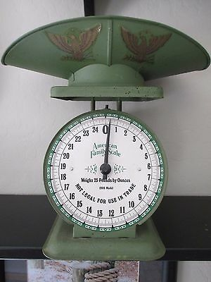 Vintage American Family SCALE, 25 lb, 1906 MODEL WITH SCOOP, GREEN, EAGLE, EUC