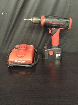 "Snap-On CDR6850A 1/2"" 18V Drill/Driver w/ Battery and Battery Charger"