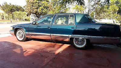 1996 Cadillac Fleetwood Brougham 1996 Cadillac Fleetwood Brougham with sunroof option