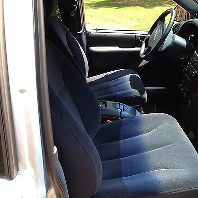 2002 Chrysler Town & Country  Chrysler town & country 2002 a very clean,with new tires,rotors pads, new struts