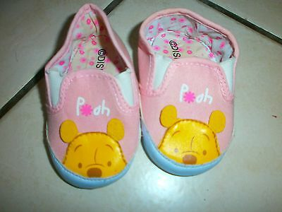 chaussons winnie taille 0-6 mois