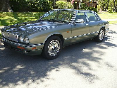 1995 Jaguar XJ6 Green Beautiful Rust Free Jaguar XJ6 Vanden Plas Edition Special Order Color Combo