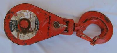 "McKissick Snatch Block with 8"" Pulley & Safety Hook - 8 Ton? l"