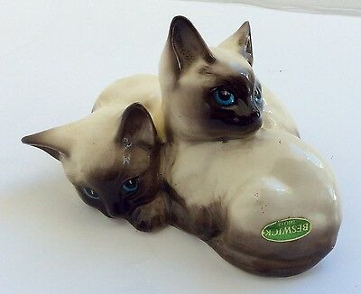 """Vintage English """"beswick"""" Siamese Cats Kittens Curled Together Figurine"""