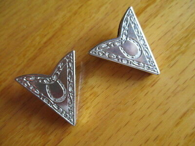 Fancy Silver Tone Western Collar Tips with Horseshoe Design-Screw On