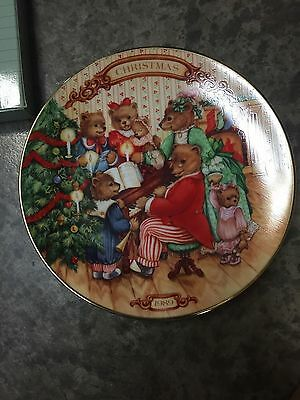 1989 Avon Together for Christmas Porcelain Collector's Plate NOS New In Box