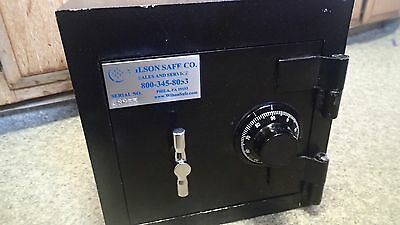 """Wilson heavy duty steel combination safe 12""""x12""""x12"""" 57lbs **LOCAL ICK UP ONLY**"""