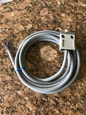 10 FT OMRON D4C-1602 Limit Switch