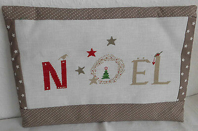 Kissen ~ NOEL~ Advent ~ Weihnachten ~ acufactum ~ Fremme ~ Point de Croix~Shabby