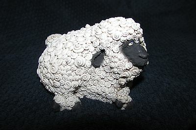 Frumps WOOLLY SHEEP Lamb decorative paperweight collectible figure D & D Studios
