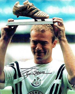 Alan SHEARER Signed Autograph 10x8 Photo AFTAL COA Newcastle United Magpies RARE