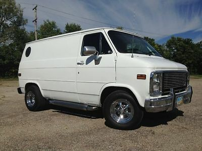 1988 Chevrolet G20 Van  1988 Custom Shorty G10 van