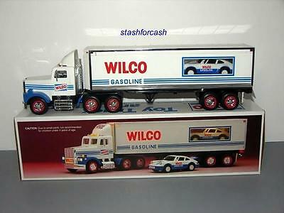1993 Wilco Toy Truck & Racer - 1992 Hess Mold