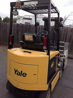 2004 Yale Forklift Battery Powered