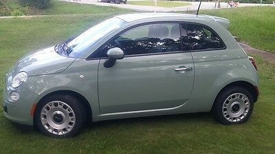 2015 Fiat 500 Pop Hatchback 2-Door 2015 Fiat 500 Pop Hatchback 2-Door 1.4L only 9,100 miles
