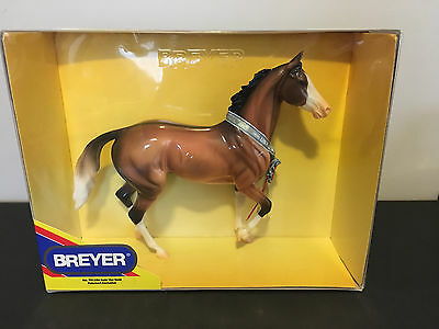 Breyer Traditional Model Horse 701104 Goin' For Gold Special Petsmart Exclusive