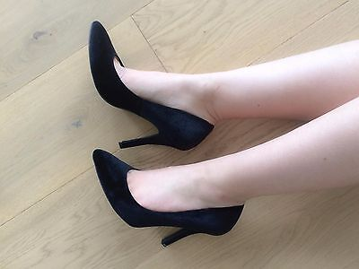 Well Worn Used Scuffed Ladies Black High Heels - Size 8