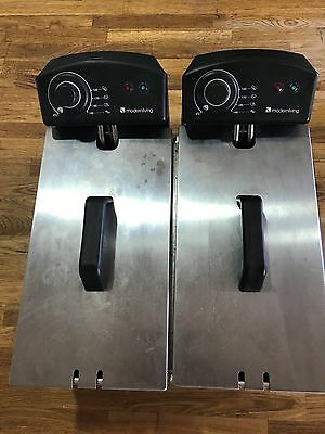 Electric double deep fryer with baskets