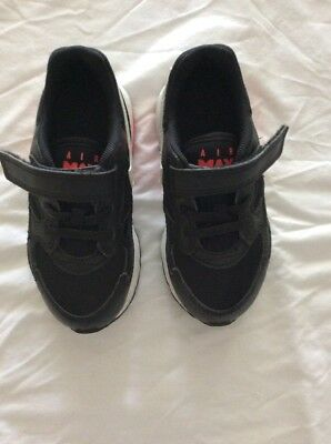 Nike Boys Shoes Size 9 Black Sneakers Joggers Runners Kids