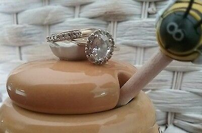 beautiful gold ring with matching gold band