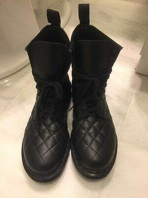 dr martens boots Black Sz 9 Leather Quilted