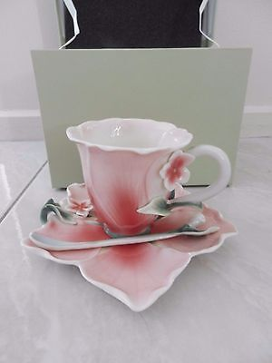 BRAND NEW Vintage FLORALIS porcelain floral cup saucer & teaspoon set with box