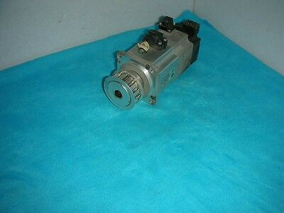 1PC Used OMRON servo motor R88M-K20030H-BS2-Z #RS02