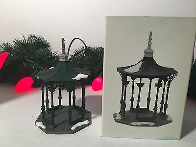 New Department 56 The Heritage Village Collection Town Square Gazebo #5513-1