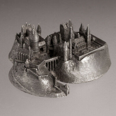 Harry Potter Hogwarts Castle architecture metal building replica souvenir 1:5000