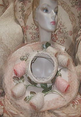 UNIQUE LILLY DACHE 1940s Wide Brim Halo Hat w Pale Pink Roses Made of Veiling !
