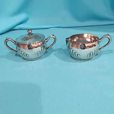 VINTAGE NATIONAL SILVER CO.Silverplate Creamer & Sugar Bowl w/Lid #1084
