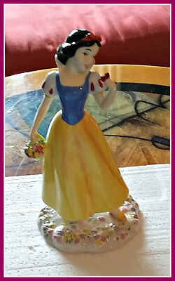 SNOW WHITE * Royal Doulton * MINT * 2005 * Certificate of Authenticity
