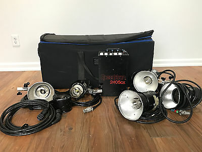 Speedotron 2405 Strobe Kit with power pack, 4 heads, reflectors, cables