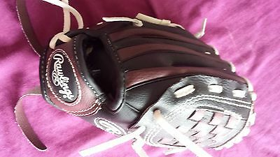 Rawlings baseball glove good condition size  medium 9 inch