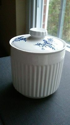 Johnson Brothers Scandia Blue sugar bowl and lid