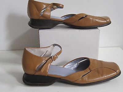 NATURALIZER Shoes Sz 7.5 Womens Leather Ankle Strap Casual Comfort