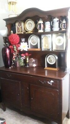 Hutch Dining Room Display Cabinet (Drawer & Cupboards) Vintage (Local Pick-Up On
