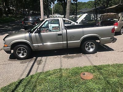 2001 Chevrolet Other Pickups  Low mileage truck