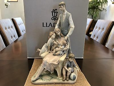 "Lladro ""1805 Portrait of a Family"" (Mint in Box & COA) VERY RARE & Large 17.00""H"