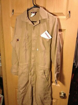 SAF-TECH 4.5 oz Coverall Nomex® IIIA  COVERALLS Size  Mens M. HRC-1 Flight Suit