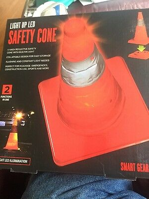 Smartgear Safety Cone Light Up LED Collapsible 17 Inch