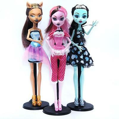 Vampire Dolls Draculaura Clawdeen Wolf Frankie Stein Characters Moveable Plastic